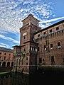 Castello Estense - Torre dei Leoni.jpg