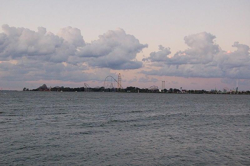 File:Cedar Point across Sandusky Bay - panoramio.jpg