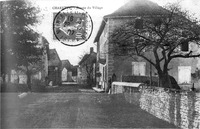 Charette, entrée du village en 1907, p 47 de L'Isère les 533 communes.tif