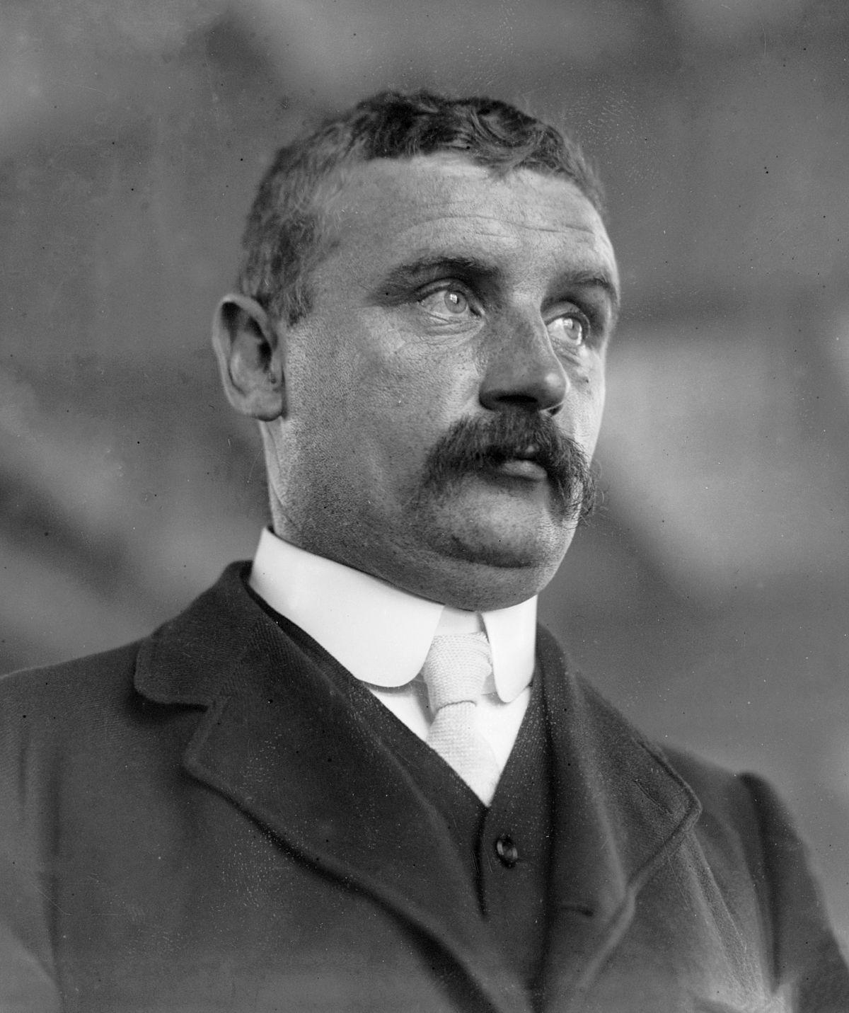 Charles P Dixon