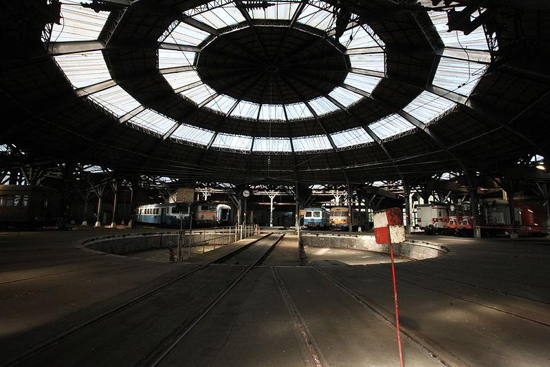Charleville-Mézières - Dépôt ferroviaire de Mohon la rotonde - Photo Francis Neuvens lesardennesvuesdusol.fotoloft.fr.JPG