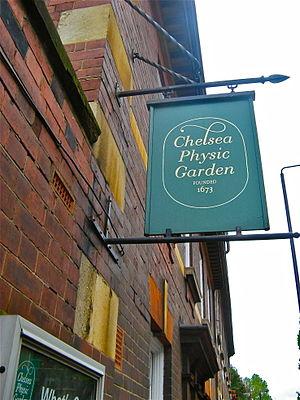Chelsea Physic Garden - Ensign of the garden.