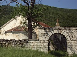 Church in village Oreshec 19.jpg