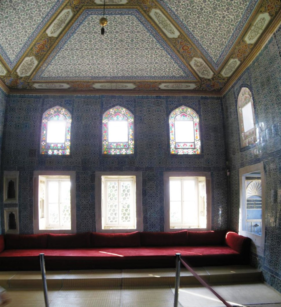 Circumcision room interior Topkapi March 2008pano