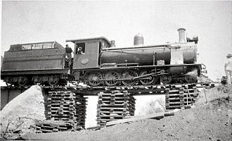 South African Class 7B 4-8-0 - Class 7B on railway line repairs after the Khan River floods of 1934