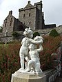 Classical sculpture at Drummond Castle - geograph.org.uk - 546222.jpg
