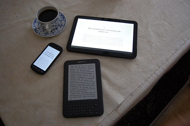 From commons.wikimedia.org: Coffee and eBooks {MID-227700}