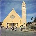 Collectie Nationaal Museum van Wereldculturen TM-20029646 Rooms-katholieke Kerk in Kralendijk Kralendijk Boy Lawson (Fotograaf).jpg