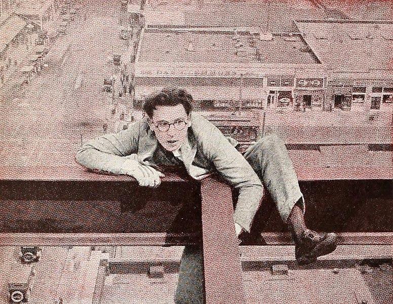 File:Colored Harold Lloyd in Never Weaken.jpg