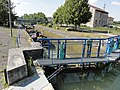 Commercy (Meuse) Canal de l'Est écluse (02).JPG