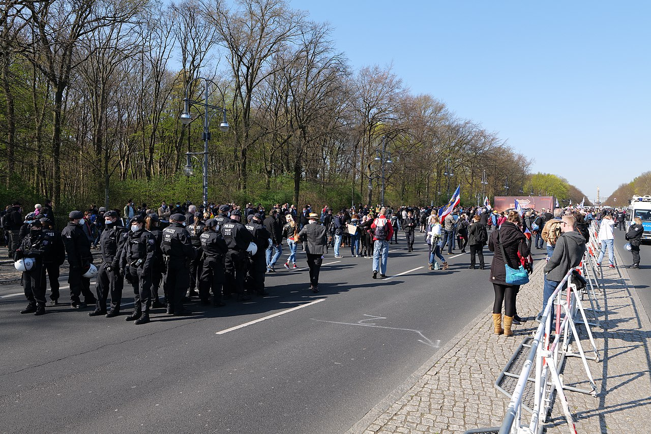 Conspiracist protest Berlin 2021-04-21 05.jpg