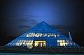 Cristalica Pyramide Nacht 2.jpg