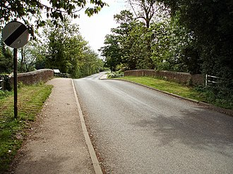 Battle of Cropredy Bridge - Cropredy Bridge, looking east towards Williamscot. On the fence beyond the left-hand parapet may be seen a plaque commemorating the battle.