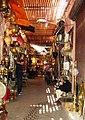 Die Souks von Marrakesch sind nach Warenangebot unterteilt. - panoramio.jpg