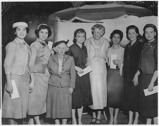 Eleanor Roosevelt and Women's Trade Union League - NARA - 196178