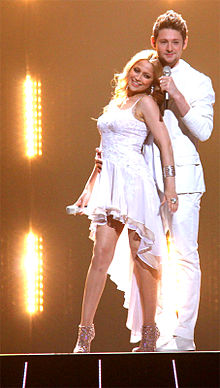 Description de l'image Ell & Nikki - Azerbaijan (Eurovision Song Contest 2011) cropped.jpg.