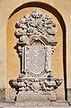 Epitafium na ścianie kościoła Podwyższenia Krzyża Świętego w Jeleniej Górze.jpg