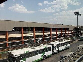 Azcapotzalco - Trolleybuses alongside Metro El Rosario