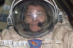 Expedition 5 EVA