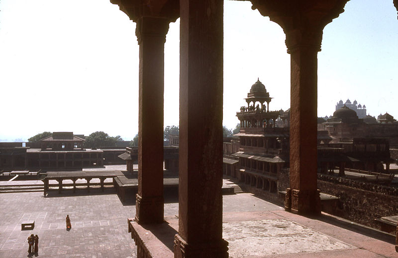 फाइल:Fatehpur Sikri general view.jpg