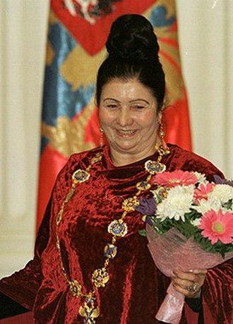 Fazu Aliyeva - Alijeva in December 2002