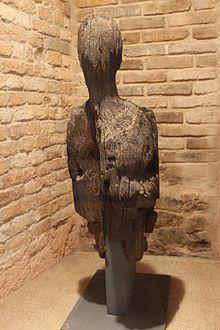 Figure de proue en bois flotté - musée de Dieppe.jpg