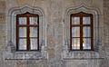 Finestres d'arc conopial al pati del palau de la Batlia, València.JPG