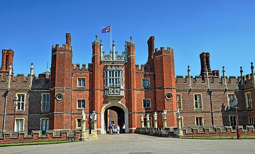 Flickr - Duncan~ - Hampton Court Palace