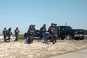 2009 Fort Hood shooting - Fort Hood Police SWAT responds to the shooting