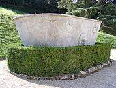 Florenz, Giardino di Boboli - Große steinerne Wanne.jpg