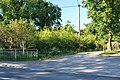 Footpath by the pub - geograph.org.uk - 934464.jpg