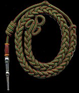 Fourragère aux couleurs du ruban de la croix de guerre 1914 1918 avec olive aux couleurs du ruban de la croix de guerre 1939 1945