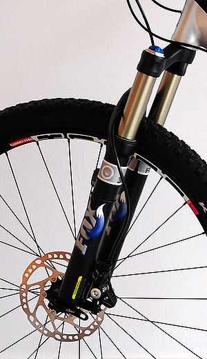 Bicycle fork - Suspension fork of a mountain bike with disc brake