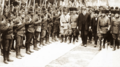 Fransız yazar Claude Farrère'in karşılanışı, İzmit, 18 Haziran 1922.png