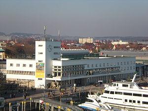 Friedrichshafen Hafen - Zeppelinmuseum.JPG