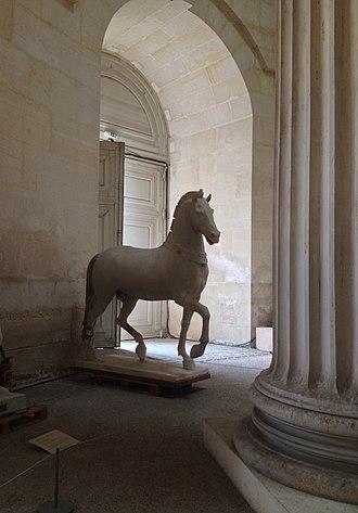 École nationale supérieure d'architecture de Versailles - Doric Column inside the Ensav