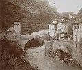 Gezicht op een brug in het bergdorp Entrevaux, RP-F-F01163-RH.jpg