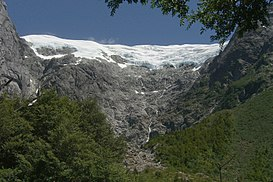 Glacier in Parque Nacional Queulat (3184588913).jpg