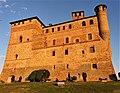 Grinzane Cavour castle.jpg