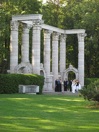 Guild Inn - A wedding party at the Greek Stage