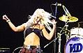 Gwen Stefani at Voodoo 2002.jpg