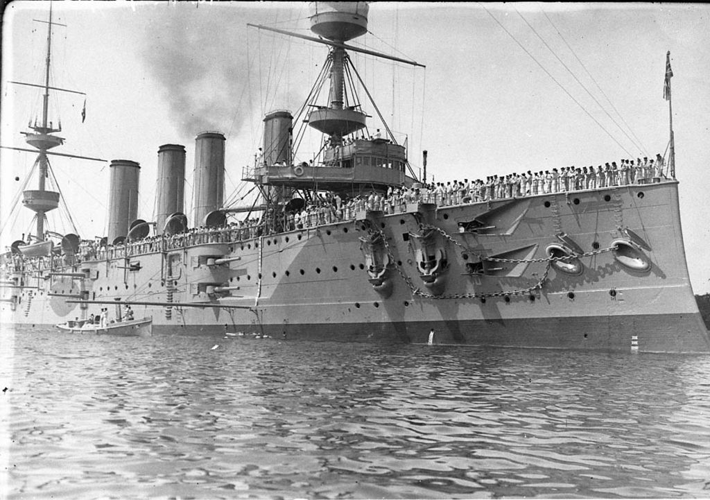 1024px-HMSPowerfulCirca1905.jpg