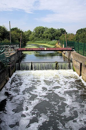 River Gipping - A weir has replaced the gates at Handford Sea Lock