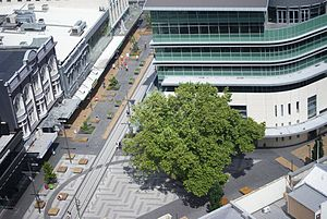 Ao Tawhiti - Unlimited 'Southern Star' building to the mid-left and Northern Tower to the right, a thoroughfare for students, intersecting on High Street and Cashel (2010)