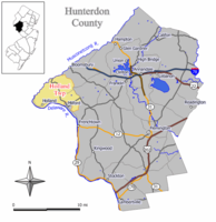 Map of Holland Township in Hunterdon County. Inset: Location of Hunterdon County highlighted in the State of New Jersey.