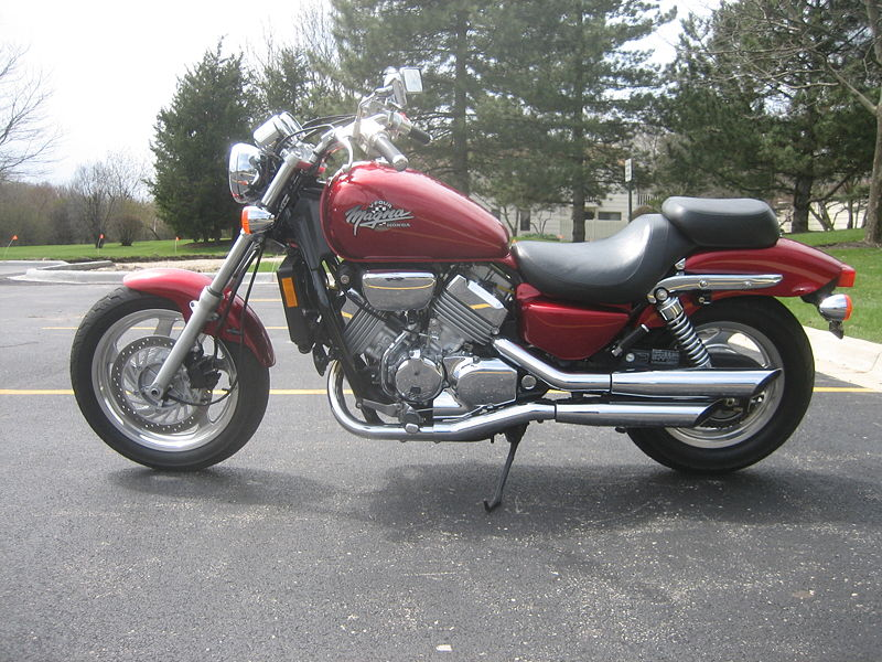 File:Honda Magna Red 1995.jpg