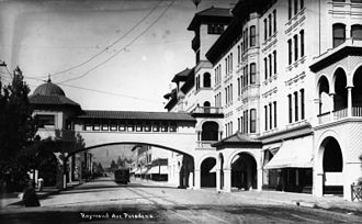 Los Angeles and San Gabriel Valley Railroad - Hotel Green, 1900, with bridge to the Pasadena rail station