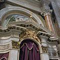 Interieur, fronton met engelen in de biechtstoel in de zuidelijke zijbeuk - Oudenbosch - 20383979 - RCE.jpg