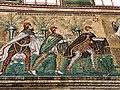 Italie, Ravenne, basilique Sant'Apollinare Nuovo, mosaïque des Rois Mages (48087017686).jpg