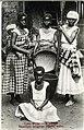 JRD - Cabo Verde – S. Thiago – Raparigas indígenas pilando milho.jpg